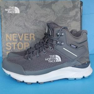 BRAND NEW SZ 9. THE NORTH FACE WOMEN'S VALS WP